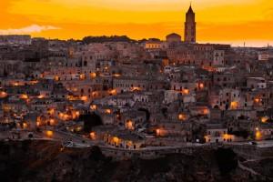 dove andare questo week end in camper Matera bellissima veduta al tramonto