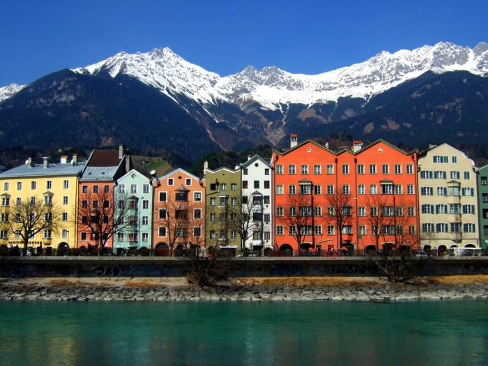 Bellissima veduta di Innsbruck, viaggio in camper