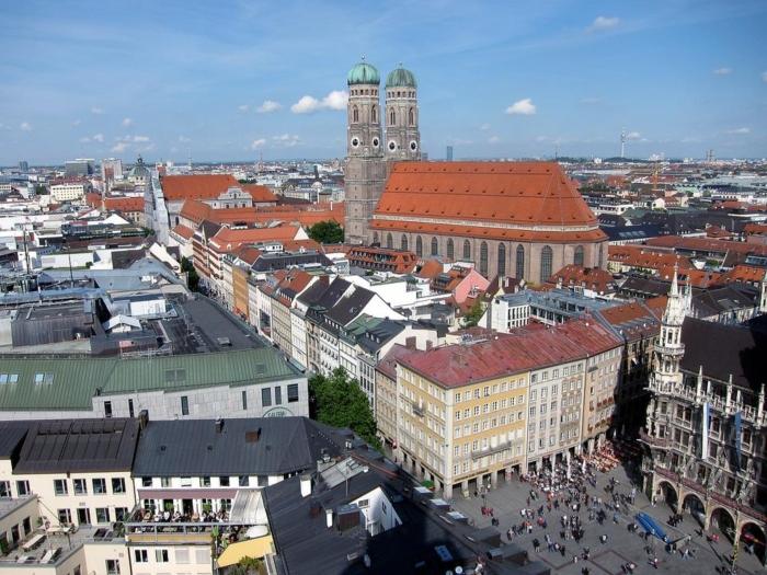 Suggestiva vista di Monaco di Baviera, viaggiare in camper in germania