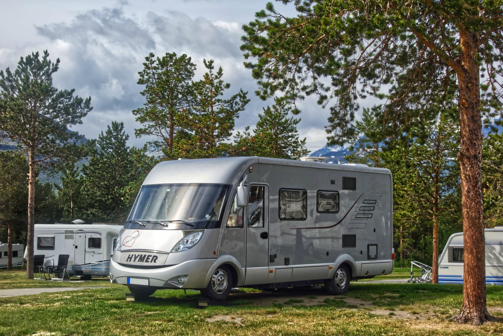 Prima di decidere di acquistare un camper è necessario conoscere ogni aspetto relativo a questo veicolo come modelli, caratteristiche e regole di guida in strada