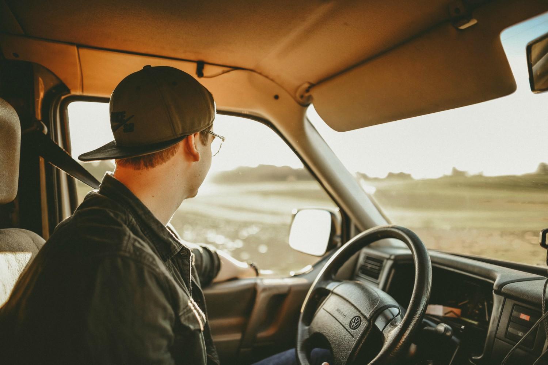 La cabina di guida camper è una parte importante del veicolo che va attrezzata con accessori in grado di renderla più pratica e funzionale alla guida