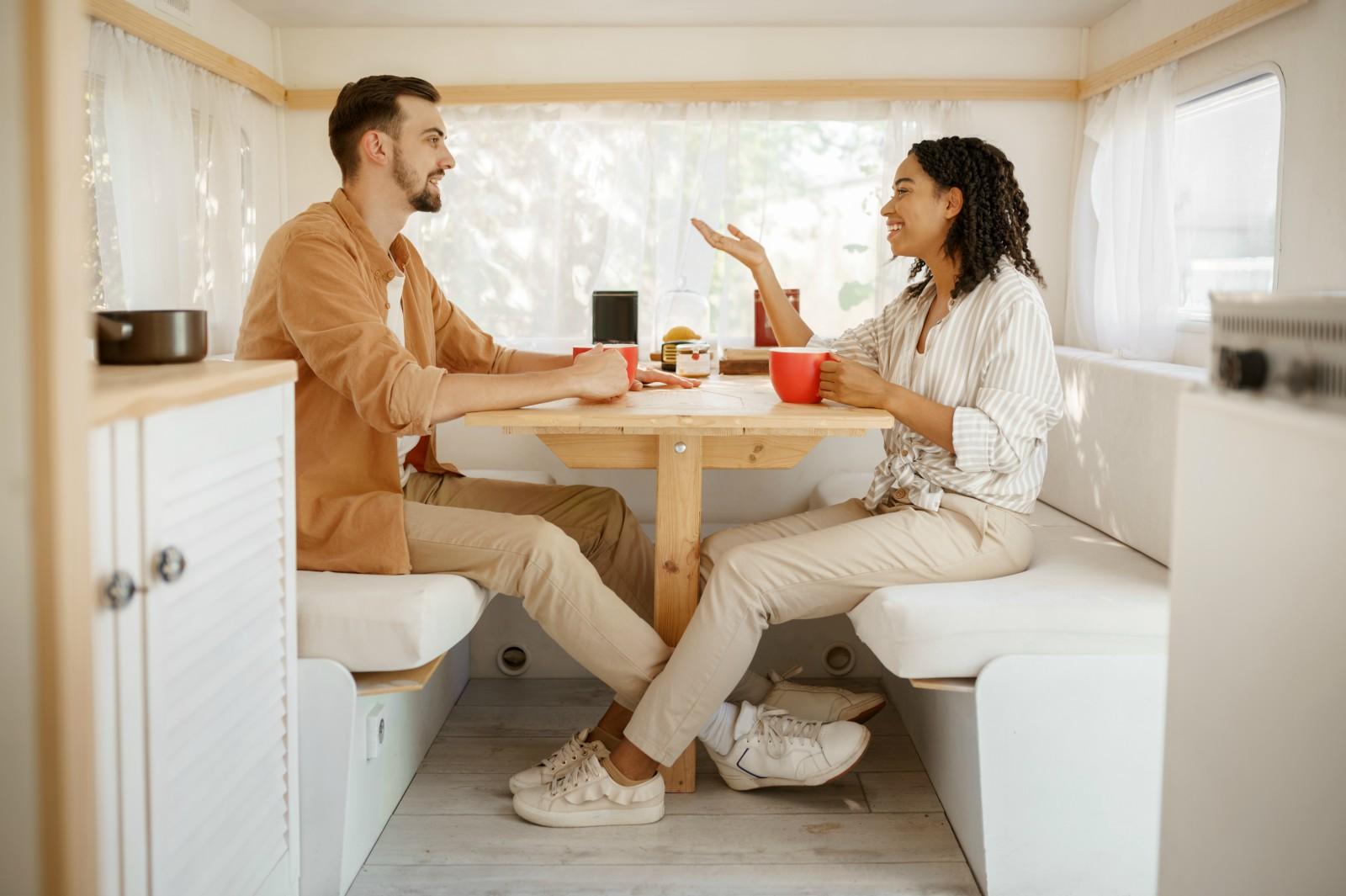 Sapere nel proprio Camper quanti posti sono disponibili per viaggiare è fondamentale per non incorrere in sanzioni per passeggeri in eccesso.