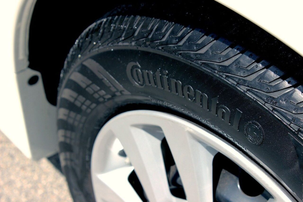 La data di fabbricazione degli pneumatici riporta la data esatta delle gomme e deve essere riportata obbligatoriamente dai produttori