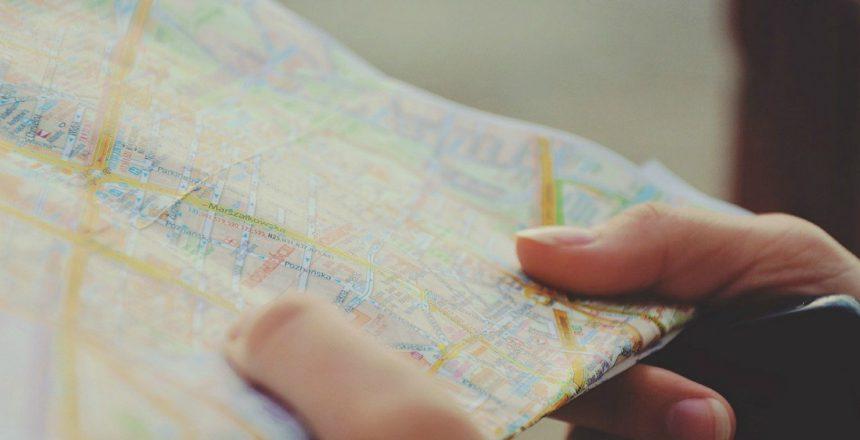 Le guide per i viaggi in camper sono strumenti molto utili per pianificare un itinerario e godersi la vacanza senza preoccupazioni
